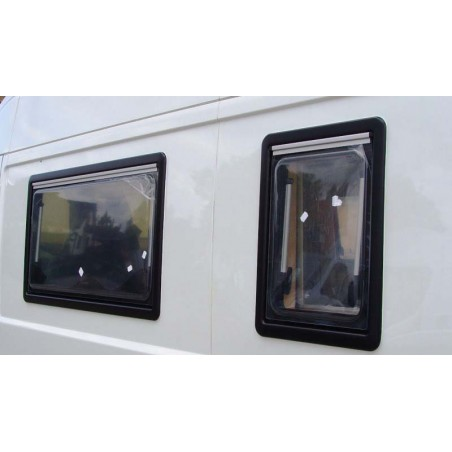 Dometic SEITZ S4 - 900x500